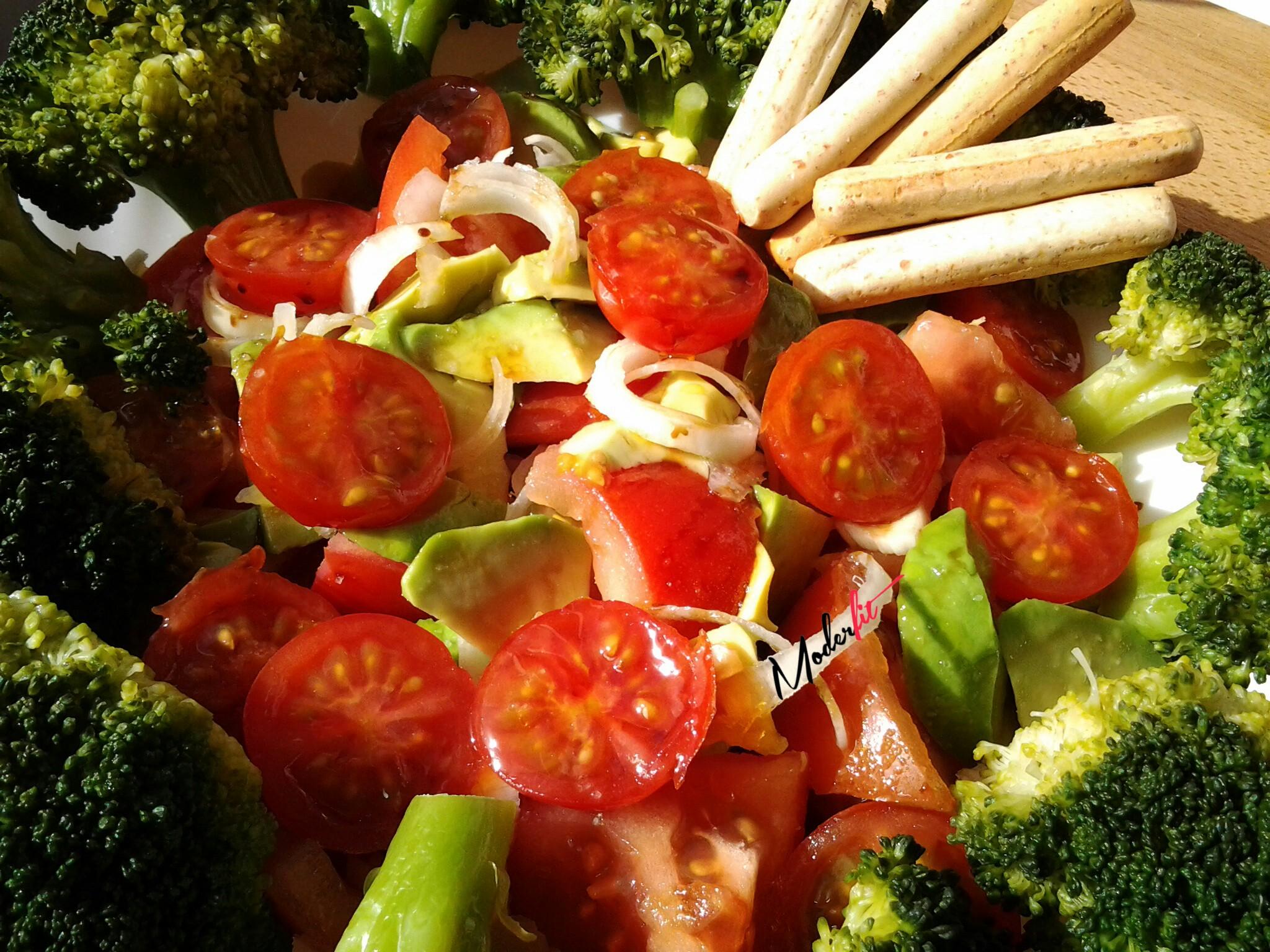 Ensalada de brocoli con ternera moderfit for Cocinar konjac
